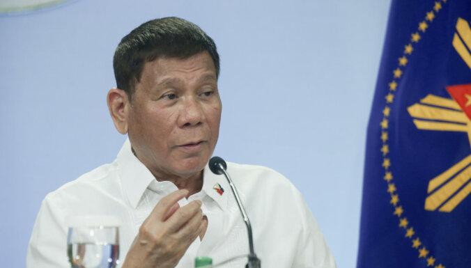 Duterte pavēlējis arestēt sejas maskas nepareizi valkājošos iedzīvotājus
