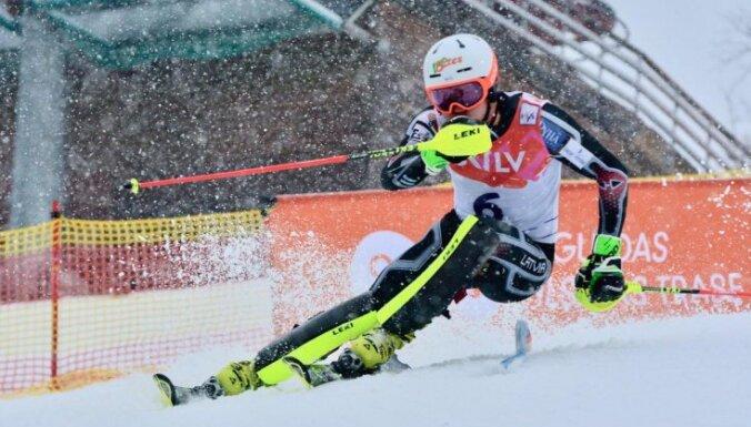 Latvijas slēpošanas kausa otrajā dienā uzvar Zvejnieks un Bondare