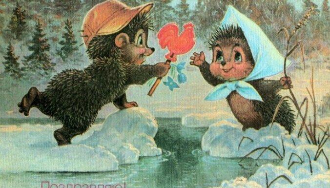 Foto: padomju laika romantika 8.marta pastkartēs