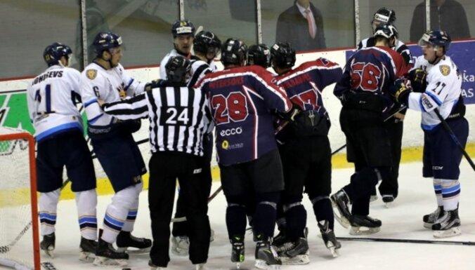 'Rīgas' hokejisti tiek pie pirmās uzvaras šīs sezonas Latvijas virslīgā