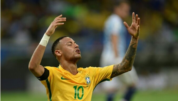 Neimara piecdesmitie vārti izlasē palīdz Brazīlijai uzvarēt Argentīnu