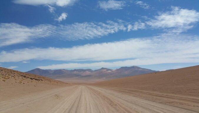 Latviešu ceļotāju piedzīvojumi, trīs dienas pavadot Bolīvijas sāls tuksnesī