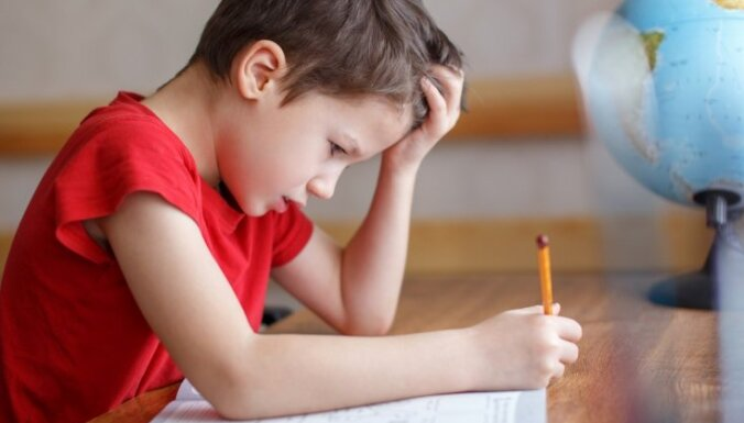 Pētniece: reemigrējošo ģimeņu bērniem skolās nepieciešams gadu ilgs pārejas posms