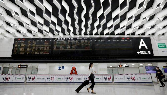 Japāna līdz janvāra beigām liedz ieceļot ārzemniekiem