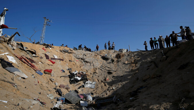 Izraēla veic atmaksas uzbrukumus Gazas joslā