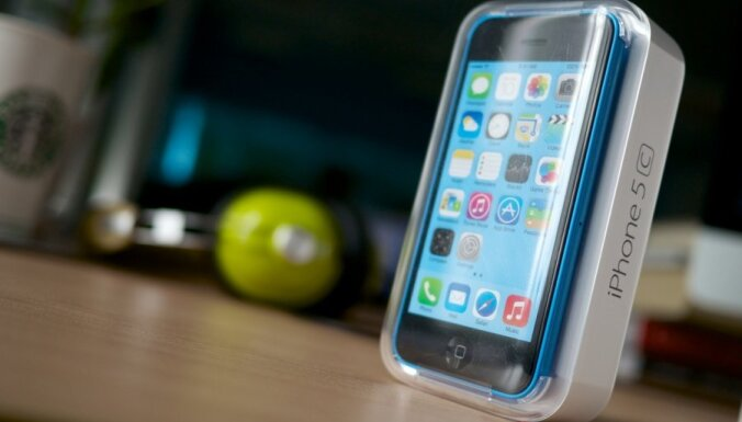Сколько миллиардов долларов американцы потратили на обновление айфонов?