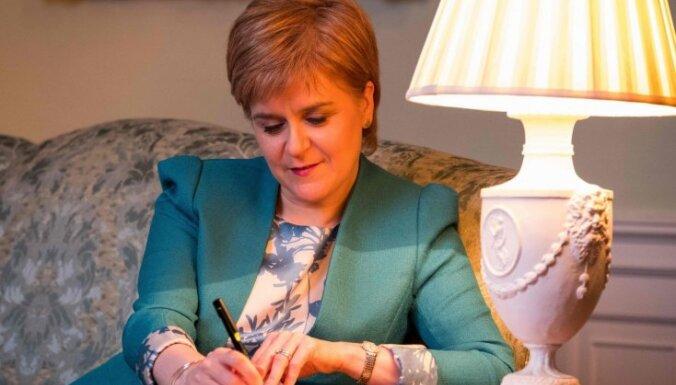 Skotijas valdība oficiāli lūdz Mejas atļauju rīkot neatkarības referendumu