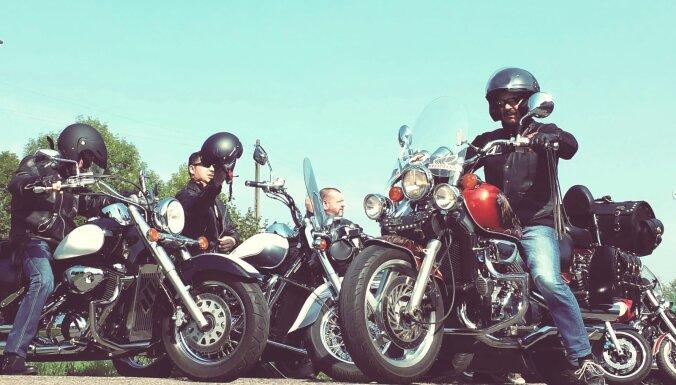 Vācijā protestē pret iespējamo motociklu aizliegumu svētdienās