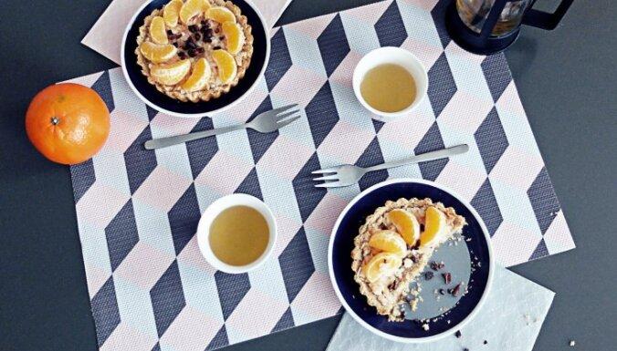 Веганские тарталетки с яблоками и мандаринами