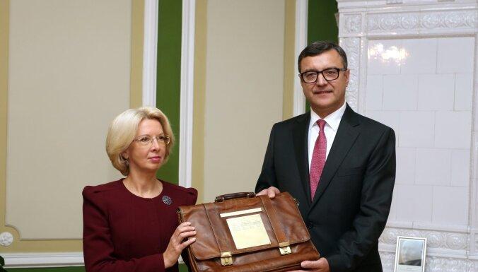 Video: Nākamā gada valsts budžets iesniegts Saeimā (plkst. 12.00)