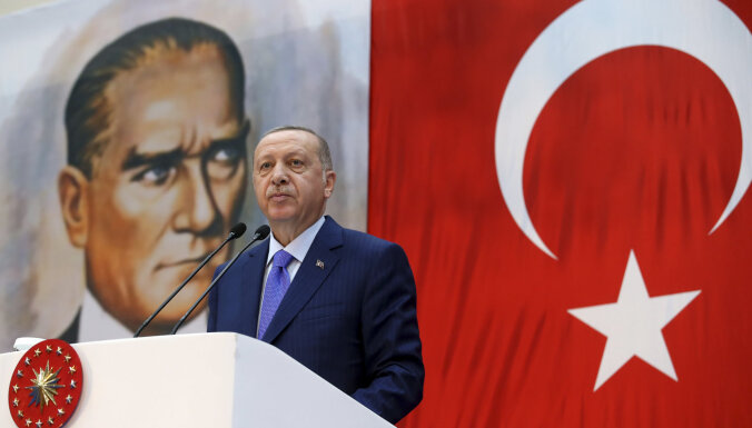 Vairums vāciešu vēlas Turcijas izslēgšanu no NATO, liecina aptauja