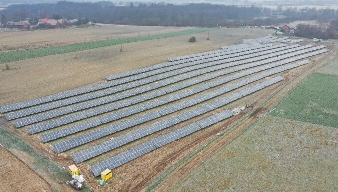 ФОТО: Latvenergo открыла первый парк солнечных панелей в Литве