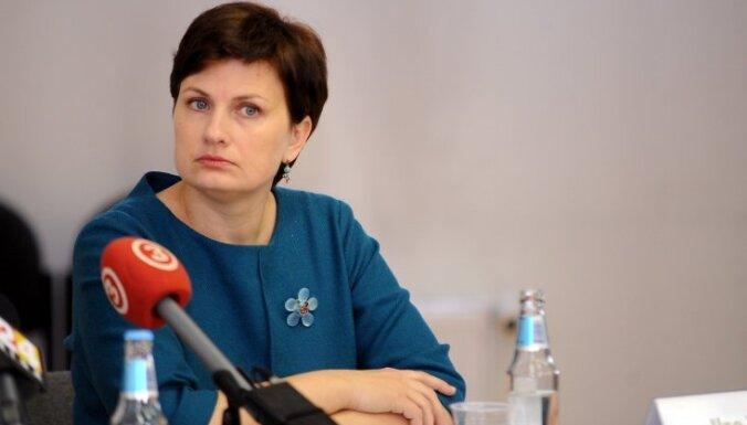 Винькеле проговорилась: министры не живут на одну зарплату
