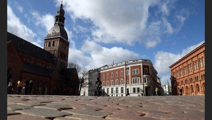 Из-за возражений священника в Риге отменена пивная ярмарка на Домской площади
