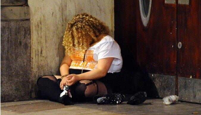 Foto: Kā dzer un izklaidējas britu jaunieši