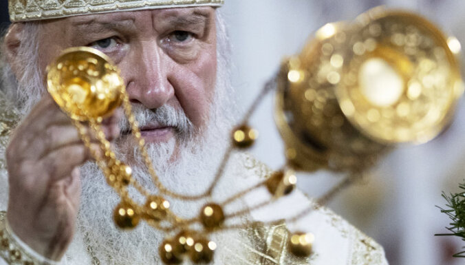 Патриарх попросил настоятельницу монастыря продать свой роскошный Mercedes S-класса
