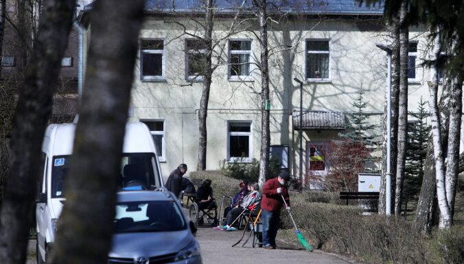 Винькеле: Центры социального ухода вяло используют возможность тестировать постояльцев