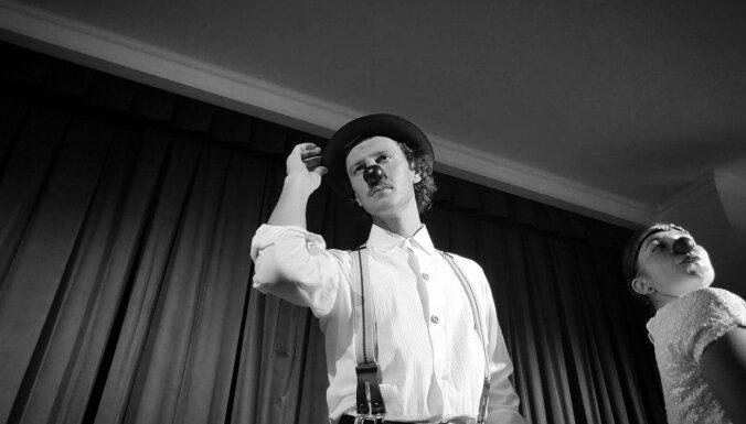 'Tā nav spēļmantiņa. Deguntiņā ietverta mīlestība un laime': dr. Klauna Don Vito stāsts