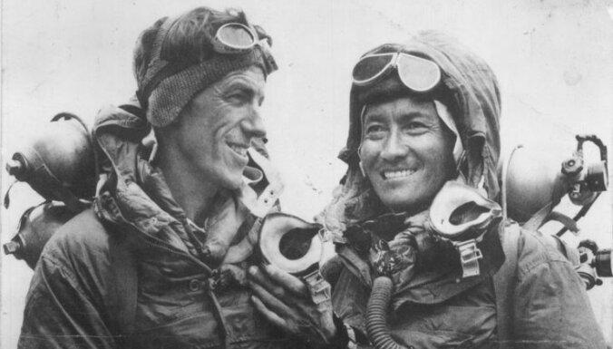 60 лет назад Хиллари и Тенцинг впервые покорили Эверест
