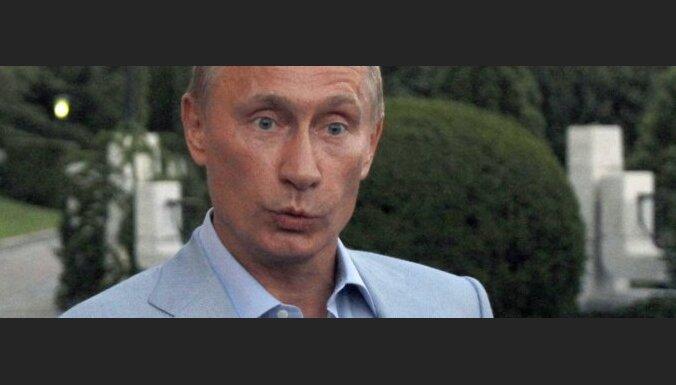 """Путин опроверг """"болтовню"""", будто он продолжает руководить Россией"""
