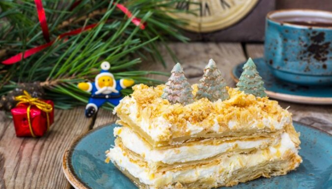 Ļoti ātrā un vienkāršā kūka 'Napoleons' svētku galdam