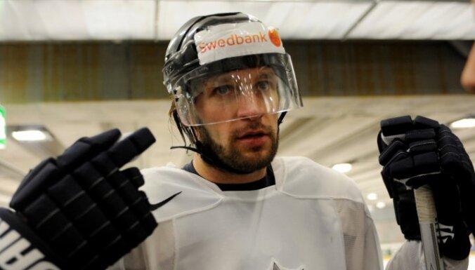 Kārlis Skrastiņš kļuvis par Jaroslavļas 'Lokomotiv' spēlētāju