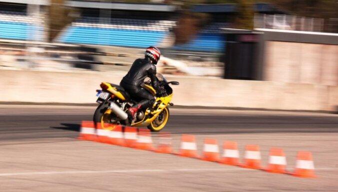 Aicina pieteikties drošas moto braukšanas konsultācijām Biķernieku trasē
