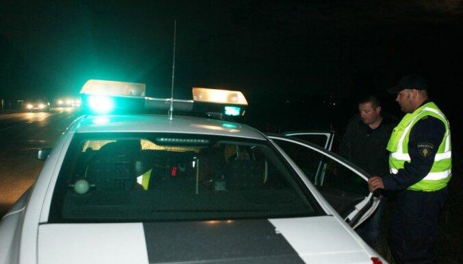 В ночном ДТП разбился Volvo S70: погиб мужчина