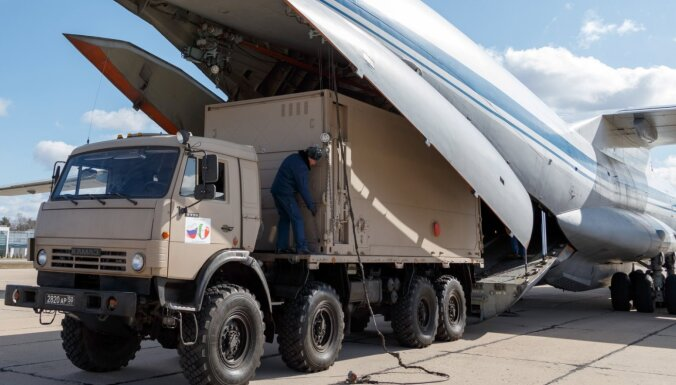 Covid-19: Krievija palīgā Itālijai nosūta militāro mediķu brigādes