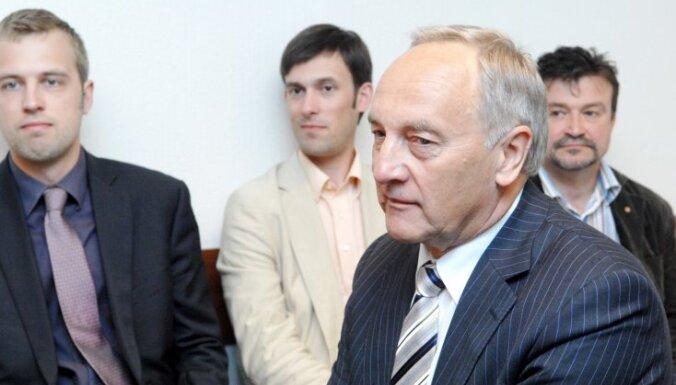 Спокойствие Берзиньша нравится депутатам
