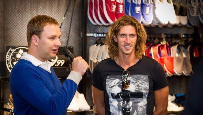 Rīgā atklāj modīgu vīriešu apģērbu veikalu