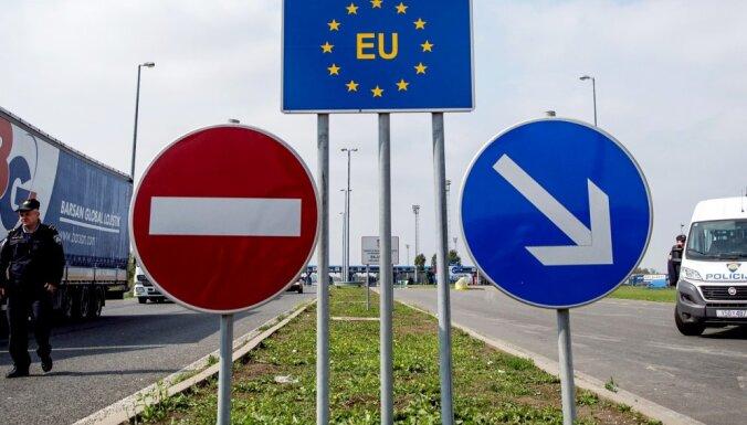 Eiropai jāatsakās no Šengenas zonas, uzskata bijušais 'The Economist' redaktors