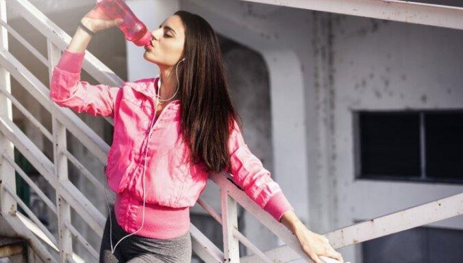 Почему не стоит ждать, пока захочется пить: 7 преимуществ ежедневного употребления воды