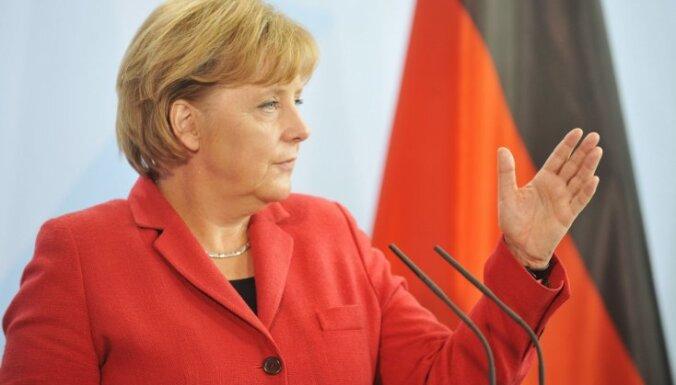 Vācijas kanclere: dienvideiropieši par maz strādā un par daudz atpūšas