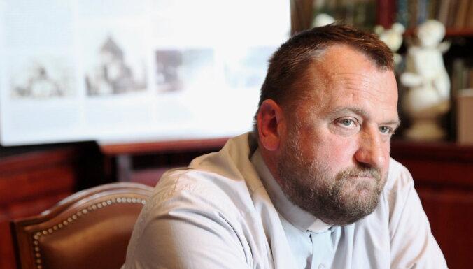 Священник Мединьш отрицает нарушения, констатированные Инспекцией по защите прав детей в Брукне