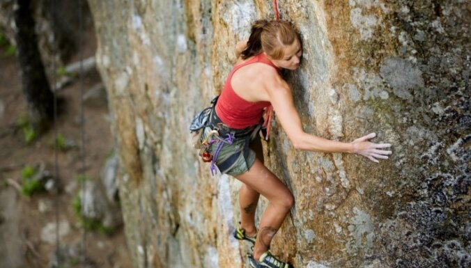 VUGD glābuši no klints nokritušus vīriešus