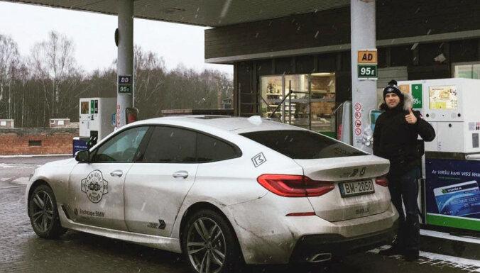 Майрис Бриедис прокатился по Латгалии на роскошном хэтчбеке от BMW