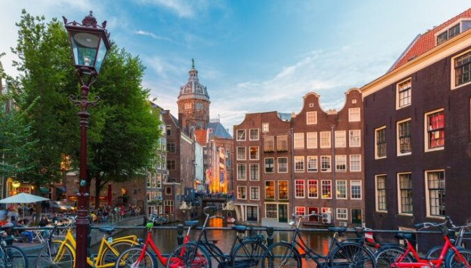Нидерланды отменяют правило социального дистанцирования