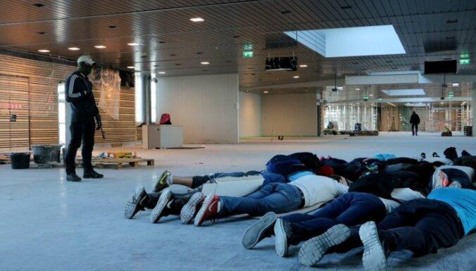 Foto: Operatīvie dienesti īsteno pretterorisma mācības Rīgas lidostā