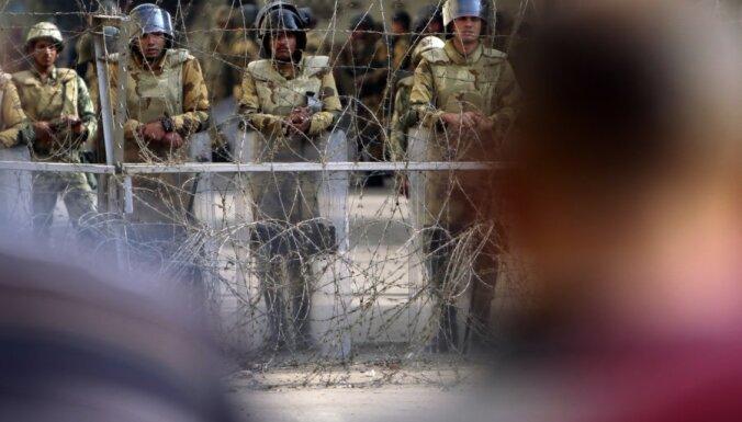 Ēģiptes armija sola nepieļaut katastrofālu notikumu attīstību valstī