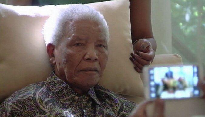 Нельсон Мандела находится в критическом состоянии