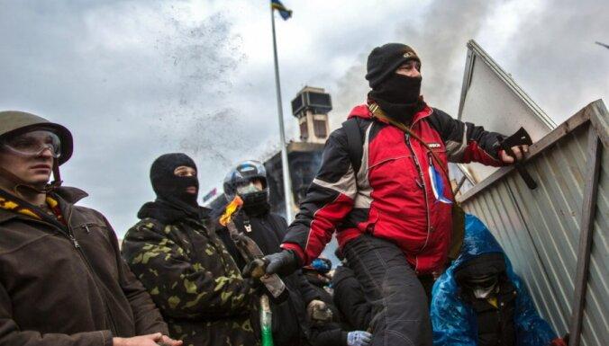 Конец перемирию: в Киеве возобновились ожесточенные столкновения