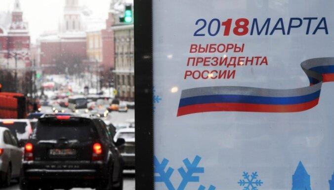 ASV plānoto krievu oligarhu 'melno sarakstu' Kremlis dēvē par jaukšanos vēlēšanās