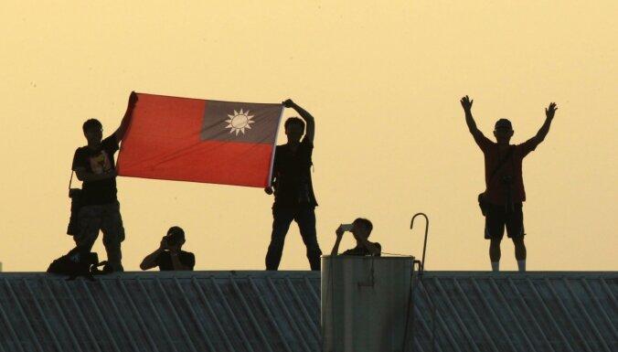 Kiribati izvēlas Ķīnu un pārtrauc diplomātiskās attiecības ar Taivānu