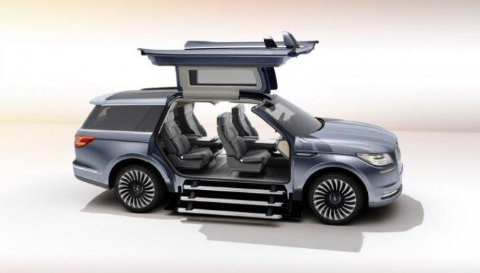 Jaunā 'Lincoln Navigator' prototips ar paceļamām durvīm