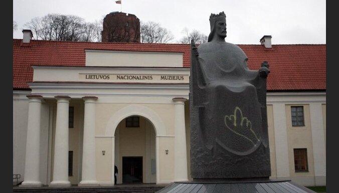 Viļņā apgānīti Lietuvas valdnieku pieminekļi