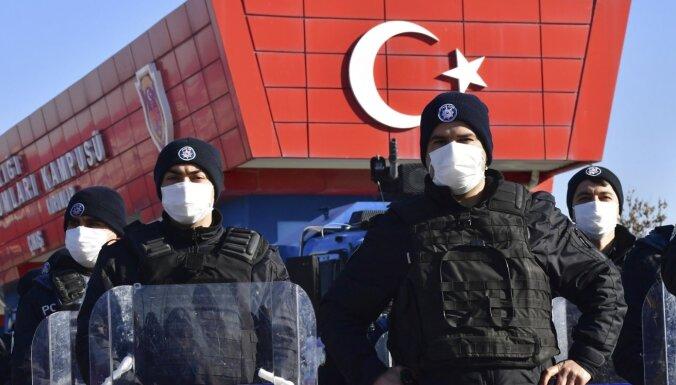 Apvērsuma mēģinājums Turcijā: par 2016. gada notikumiem piespriež uzreiz 337 mūža ieslodzījumus