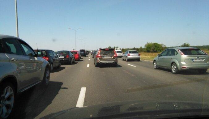С сегодняшнего дня введены новые серьезные изменения на Юрмальском шоссе