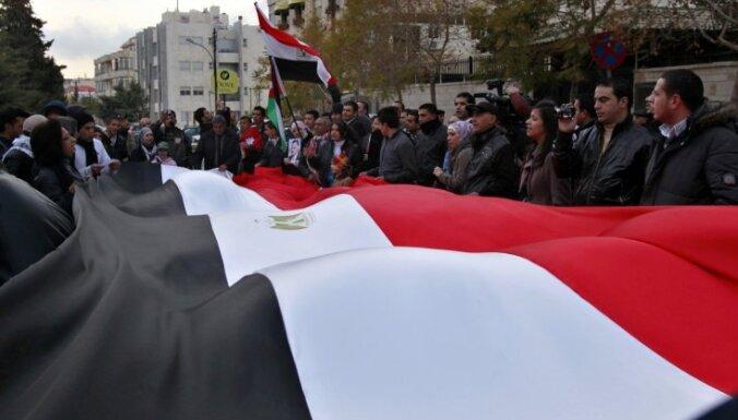 Ēģiptē notiek kratīšanas tiesību aizstāvju organizāciju birojos