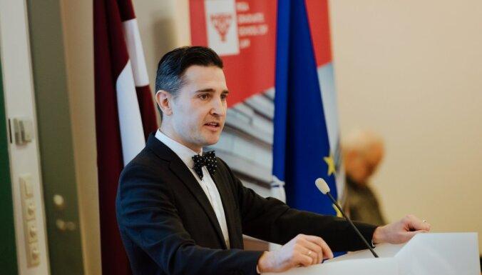 Andris Tauriņš: Atbalsts sportam – ziedojumi vai slēpts kukulis?